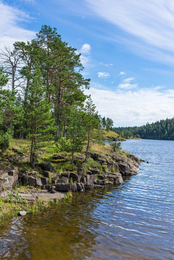 风景海岸线Valaam海岛修道院海湾  图库摄影