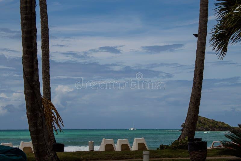 风景海滩视图在加勒比:Playa波尼塔,Las Terrenas,多米尼加共和国 库存图片