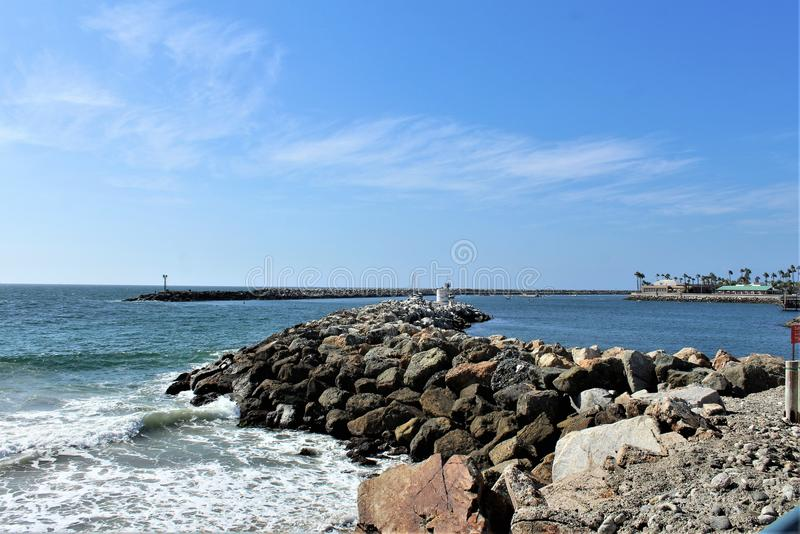 风景海边观点的Portifino加利福尼亚海洋边在雷东多海滩,加利福尼亚,美国 免版税库存图片