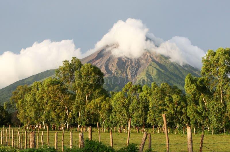 风景火山 免版税库存图片
