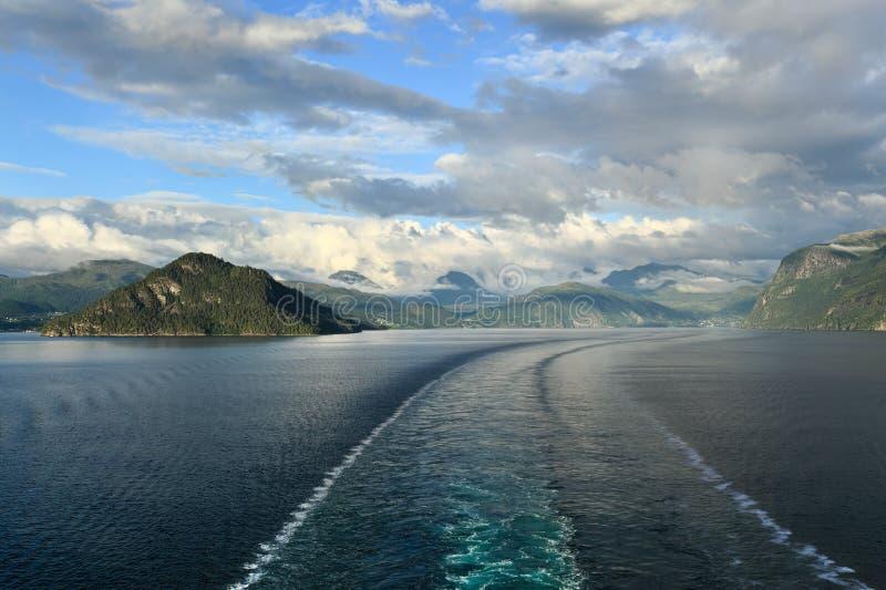 风景看法Storfjord (挪威) 免版税库存图片