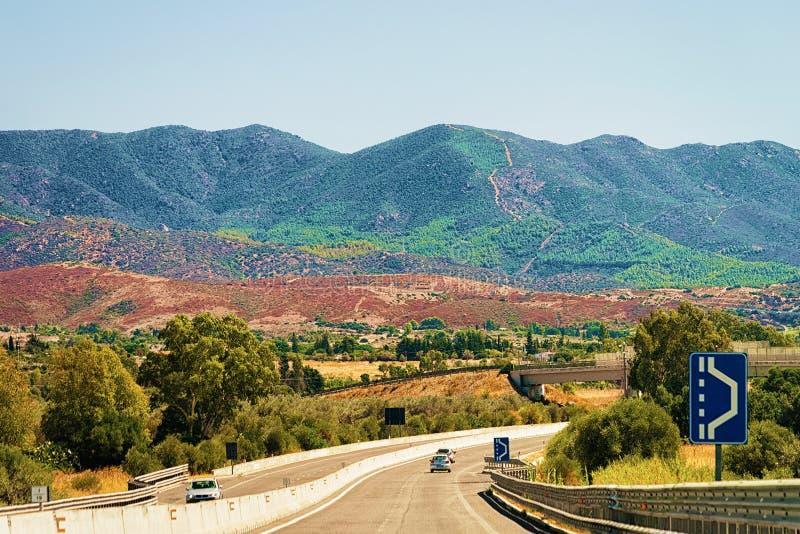 风景路在撒丁岛海岛上的卡利亚里 库存图片