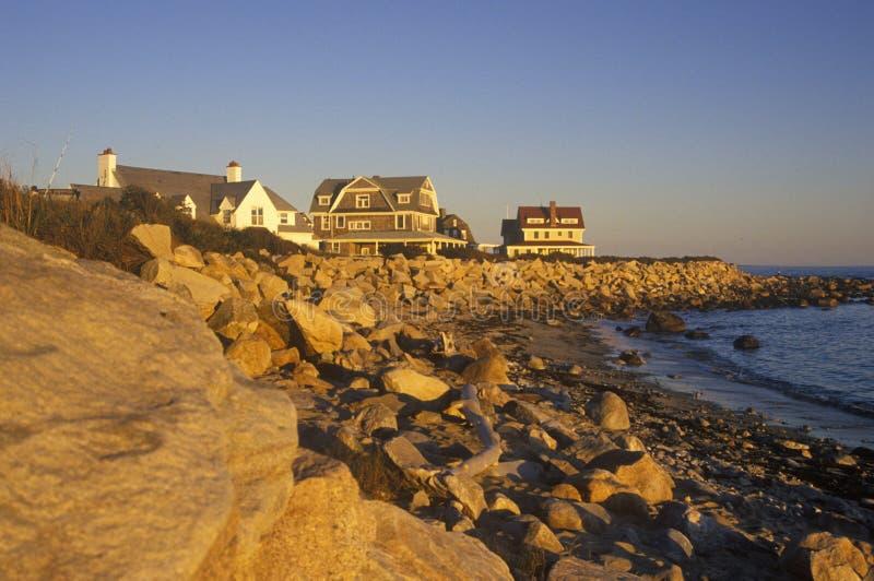 风景路线的1在日落, Misquamicut, RI洋锋家 免版税库存图片