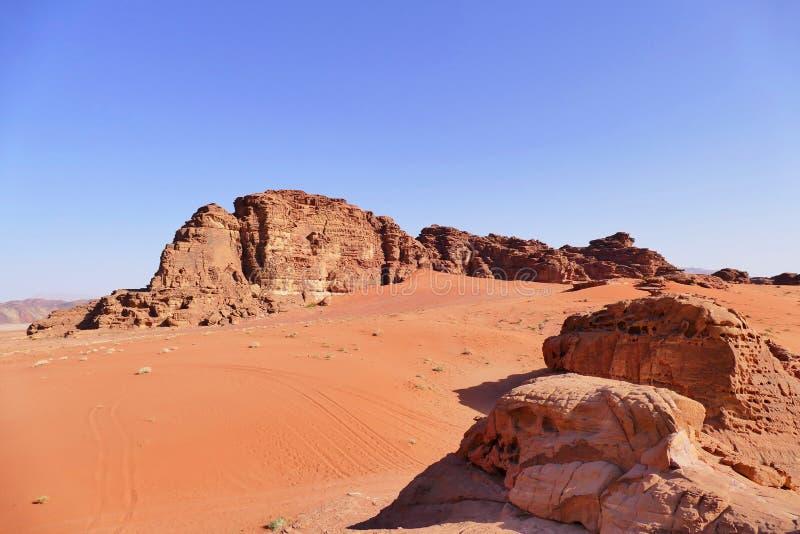 风景风景瓦地伦沙漠,约旦在夏天 库存照片