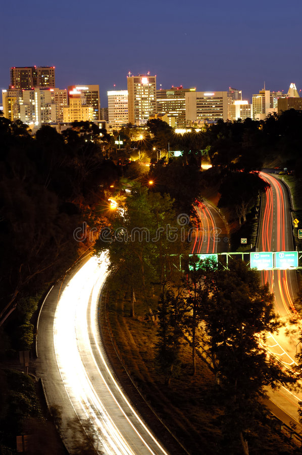 风景高速公路的晚上 库存照片