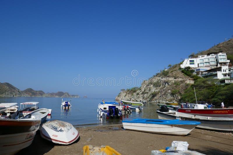 风景-一条传统小船的本质场面 免版税库存照片