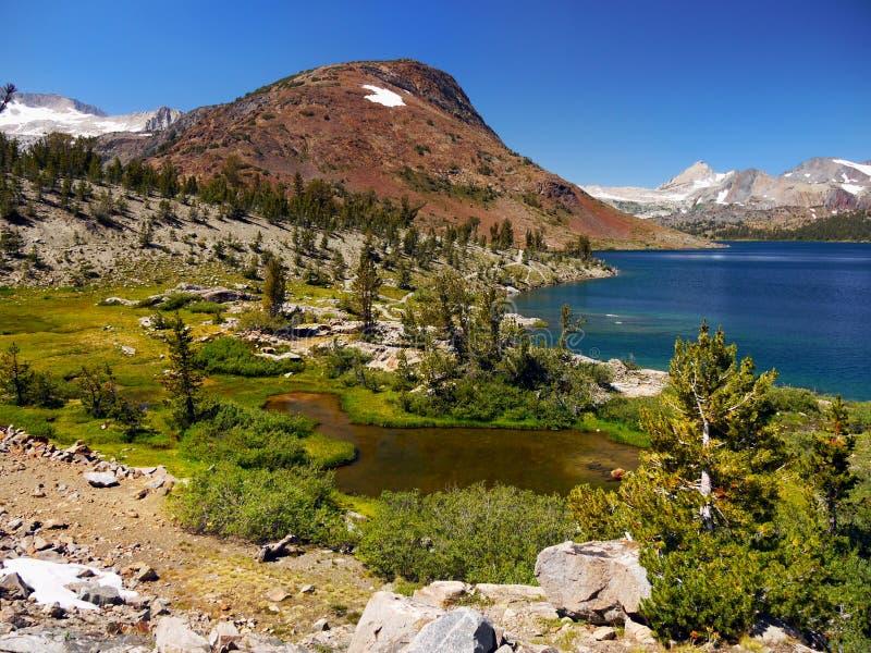 风景Mountain湖,内华达山山 图库摄影