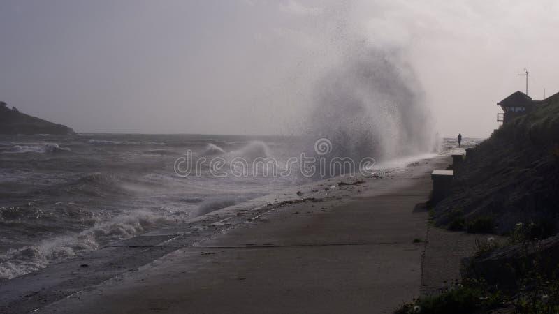 风暴奥菲莉亚使并且击中大陆英国镇静下来 免版税库存图片