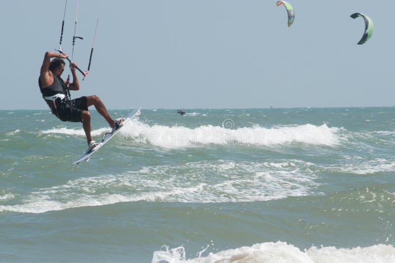 风筝海浪或风筝板,水上运动 免版税图库摄影