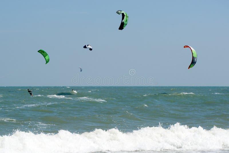 风筝海浪或风筝板,水上运动 库存照片