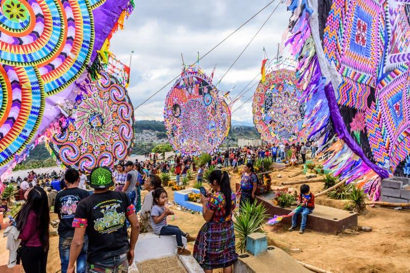风筝&坟墓,巨型风筝节日,圣地亚哥Sacatepequez,Guat 库存图片