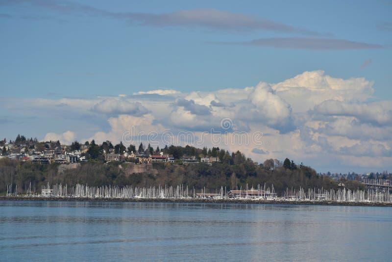 风船在皮吉特湾,西雅图,华盛顿靠了码头 免版税库存照片