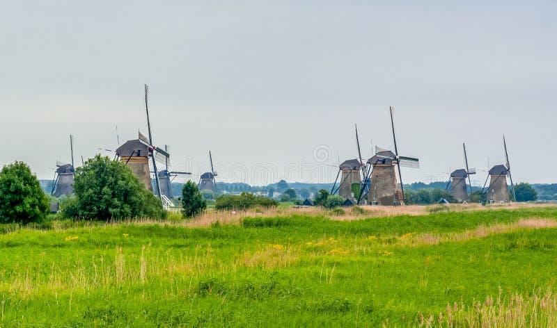 风车在小孩堤防,荷兰 库存照片