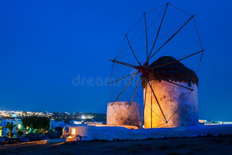 风车在Chora在米科诺斯岛,希腊 库存图片
