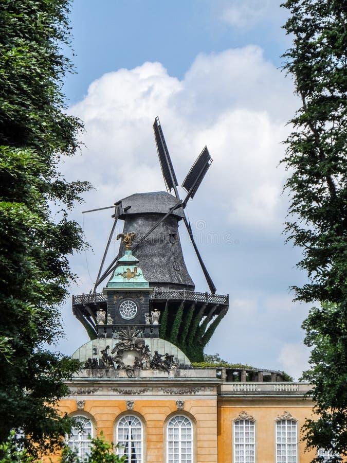 风车在Sanssouci宫殿,波茨坦德国 库存照片