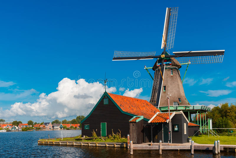 风车在Zaanse Schans,荷兰,荷兰 免版税图库摄影