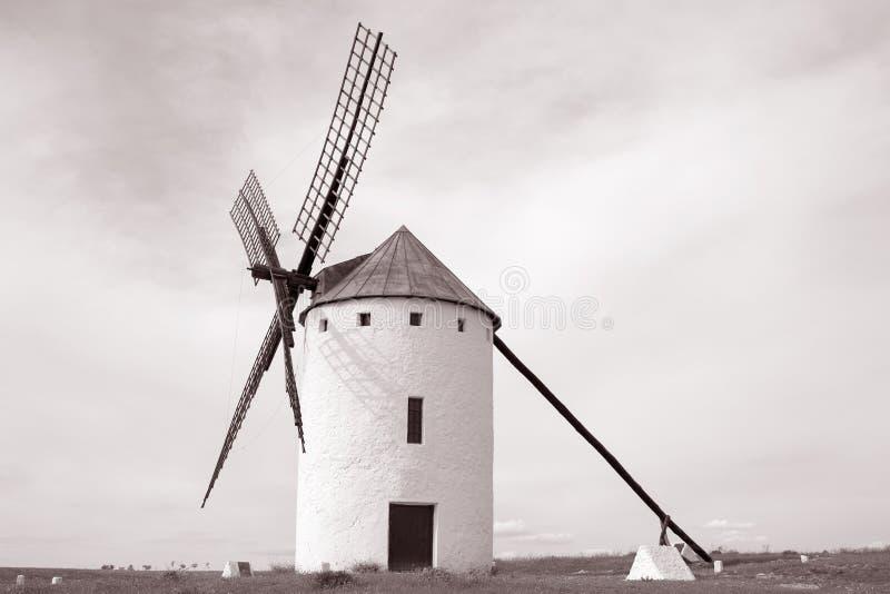 风车;坎波德克里普塔纳;卡斯蒂利亚拉曼查;西班牙 库存照片