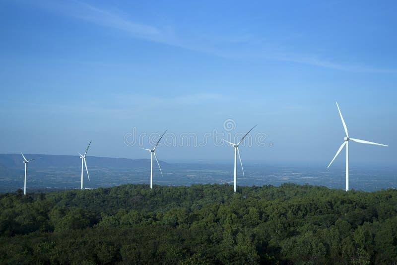 风轮机风能自然风运用了电 库存照片