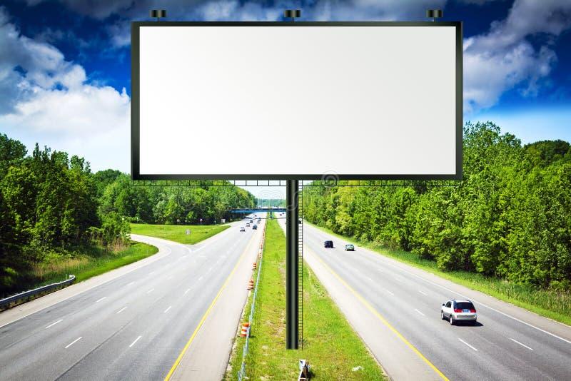 风雨如磐广告牌的天空 免版税库存图片