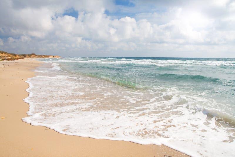 风雨如磐海滩的海运 库存图片