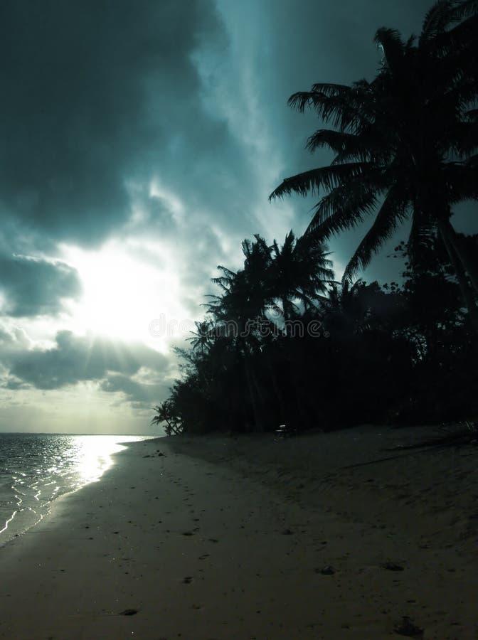 风雨如磐的日落 免版税库存照片