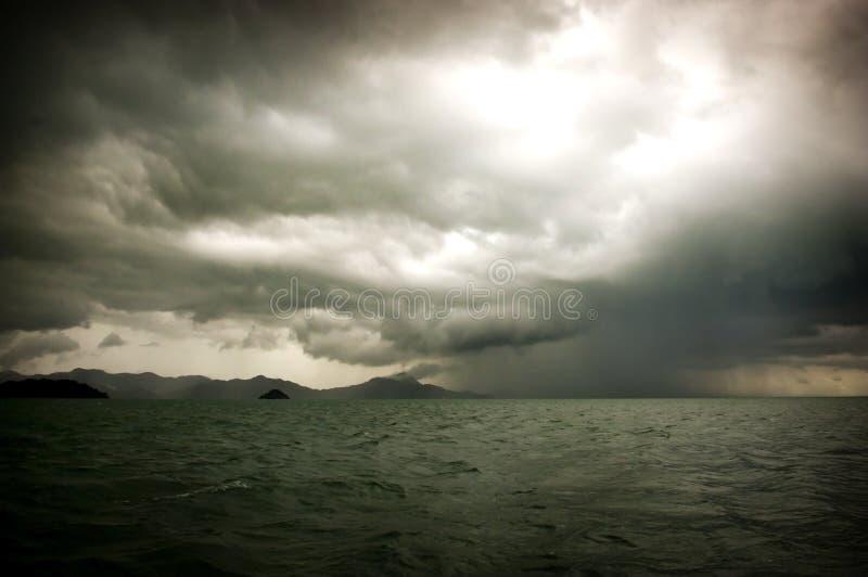 风雨如磐的海运 免版税库存图片