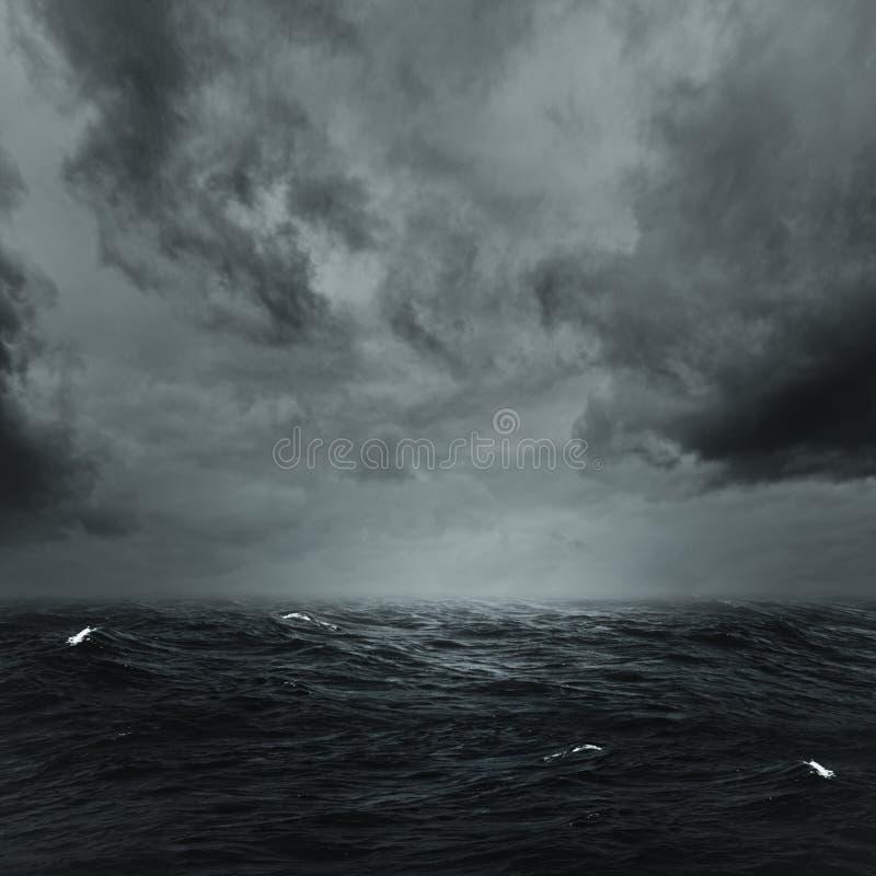 风雨如磐的海洋 图库摄影