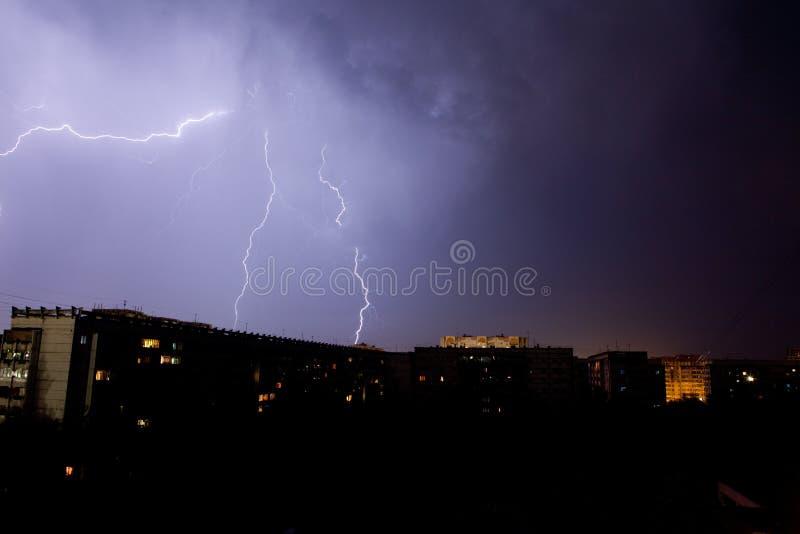 风雨如磐闪电的天空 免版税库存图片