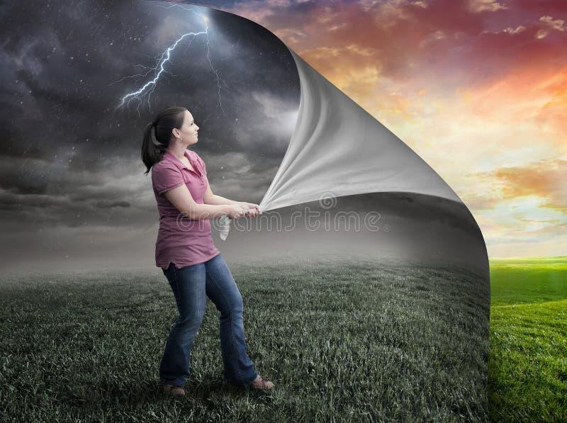 风暴和日落。 免版税库存照片