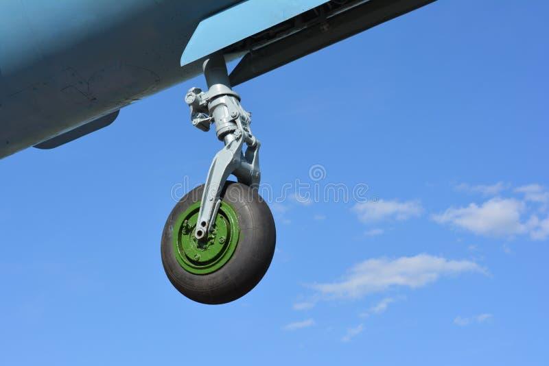 飞机战斗机米格-21前起落架  免版税库存照片