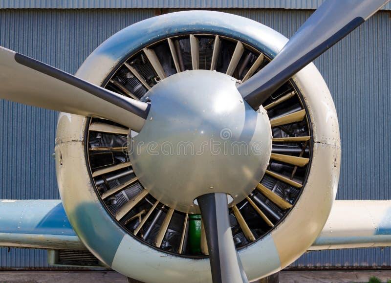 飞机推进器,有螺旋桨叶片的马达 免版税库存图片