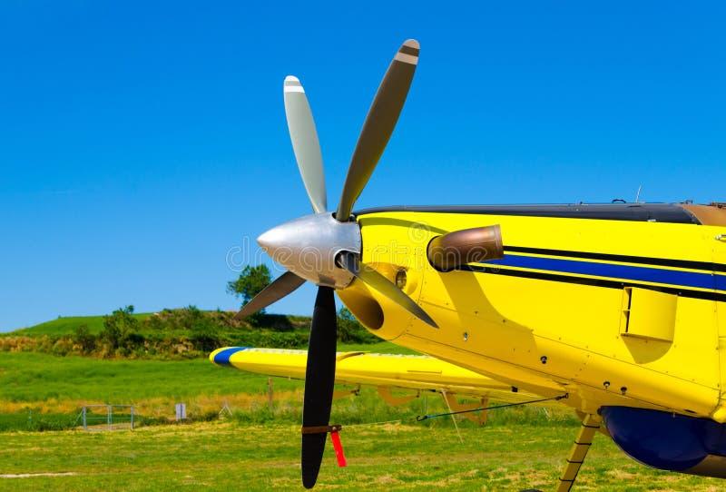 飞机推进器,有螺旋桨叶片的马达 免版税库存照片