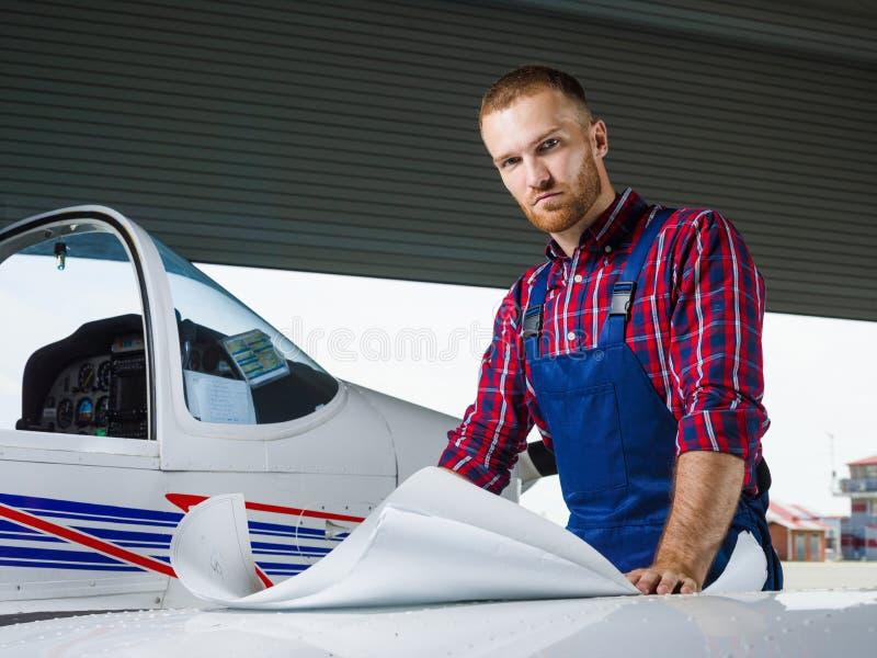 飞机机械员 图库摄影