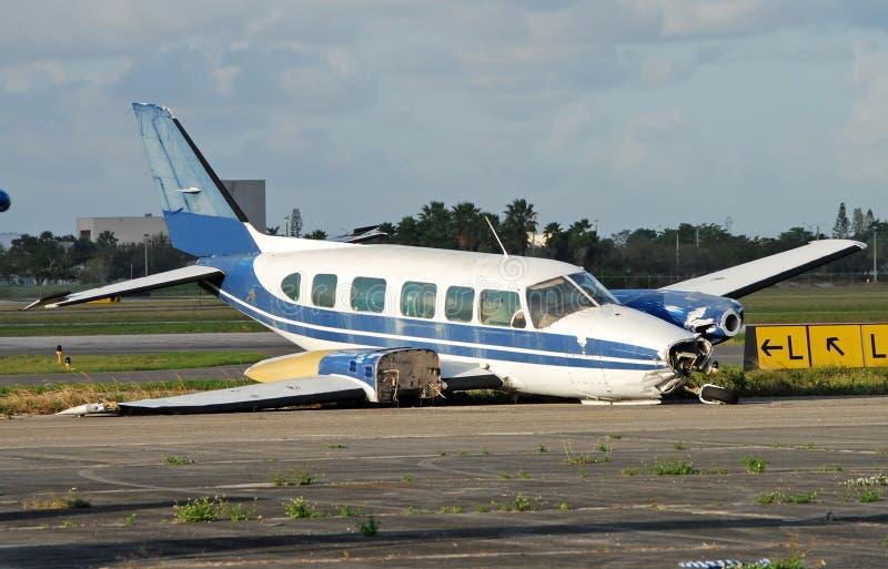 飞机紧急降落 免版税库存照片