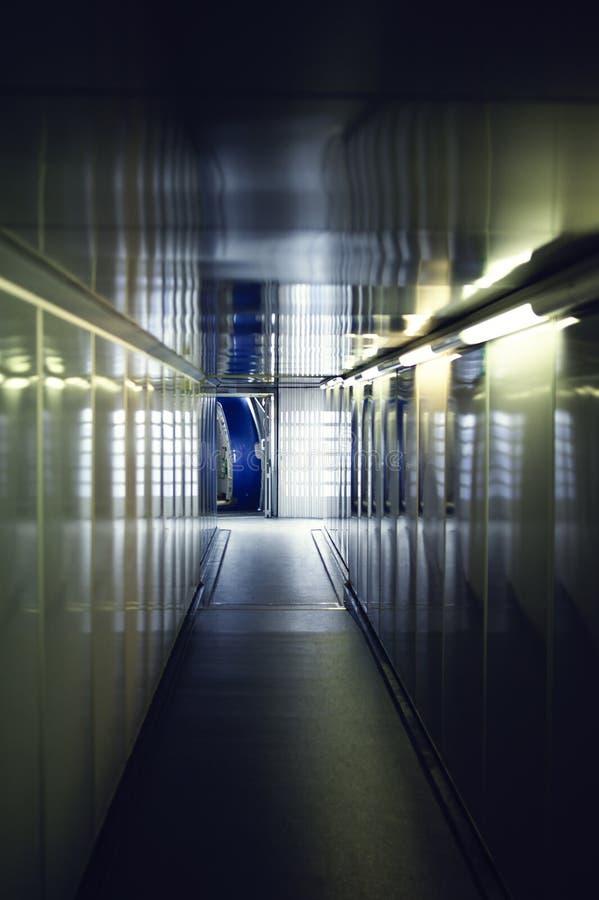 飞机门的内部走廊 库存图片