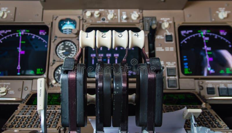 飞机驾驶舱仪器 免版税图库摄影