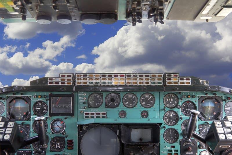 飞机驾驶舱Tu144。 库存图片