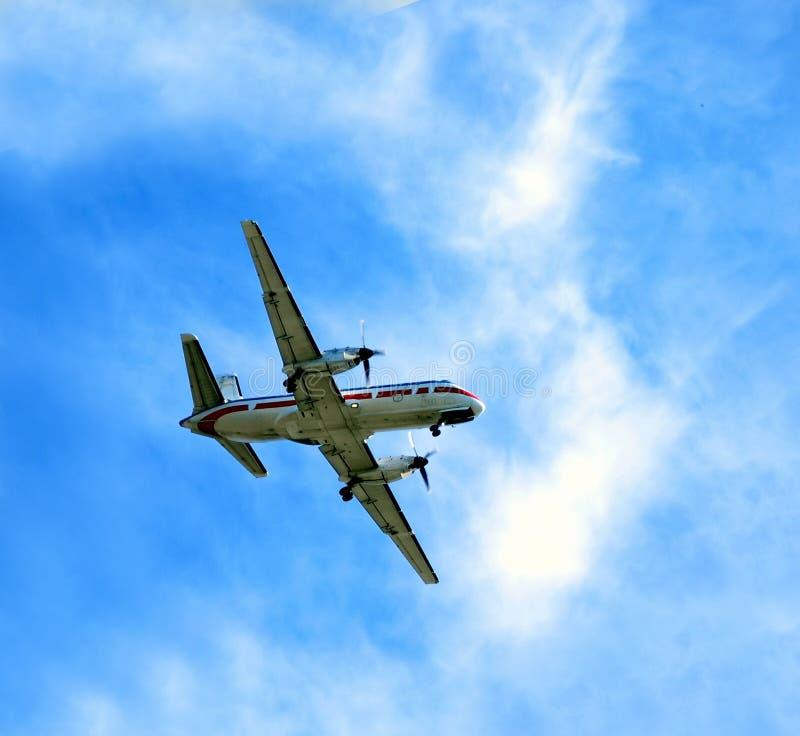 Download 飞机 库存照片. 图片 包括有 行程, 旅行, 云彩, alameda, äº, 商业, 晒裂, 蓝色, 假期 - 187208