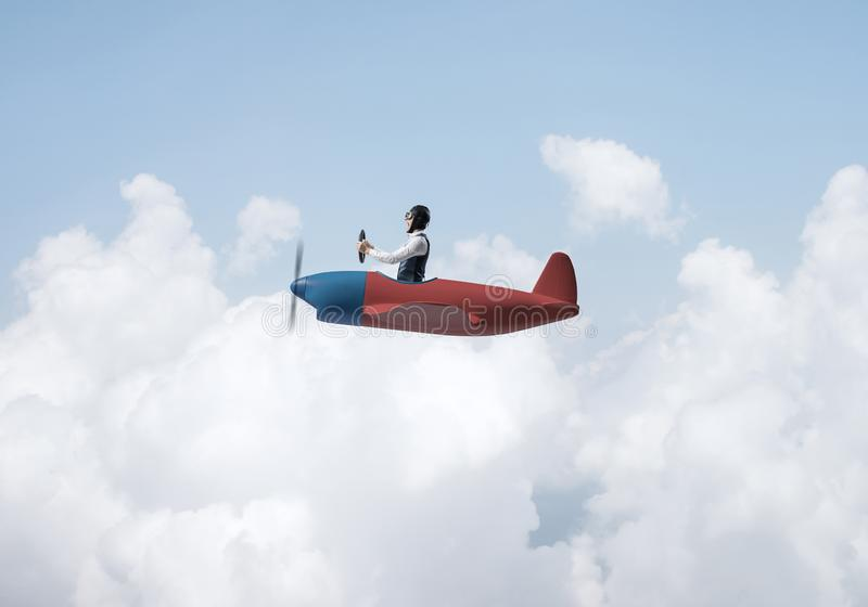飞行员帽子的年轻人有风镜的 库存例证