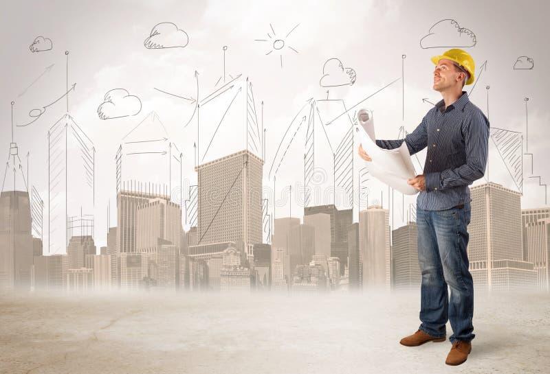 飞行在有城市backgro的建造场所的企业工程师 免版税图库摄影