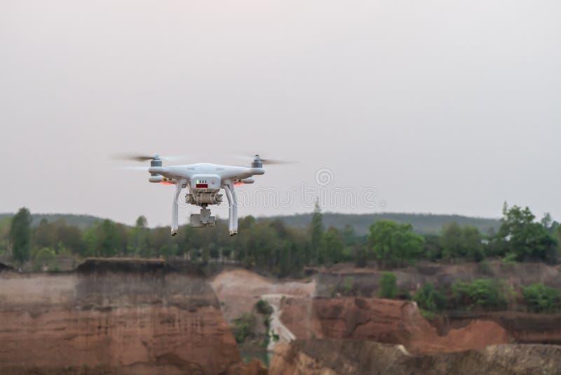 飞行在泰国大峡谷的寄生虫 免版税库存照片