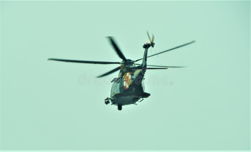 飞行在马里兰的警察用直升机 库存照片