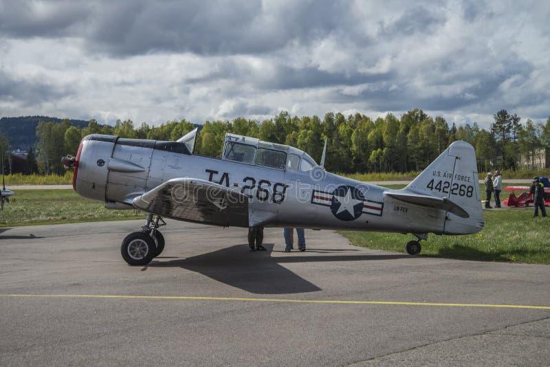 飞行天2014年5月11日,在Kjeller (airshow) 免版税图库摄影