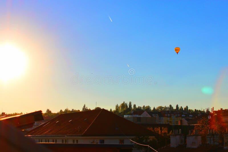 飞行气球在布尔诺 免版税库存照片