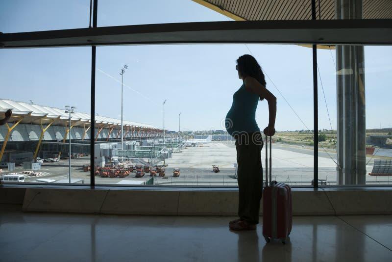 飞行的怀孕等待 免版税库存图片