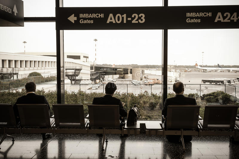 飞行等待 免版税库存照片