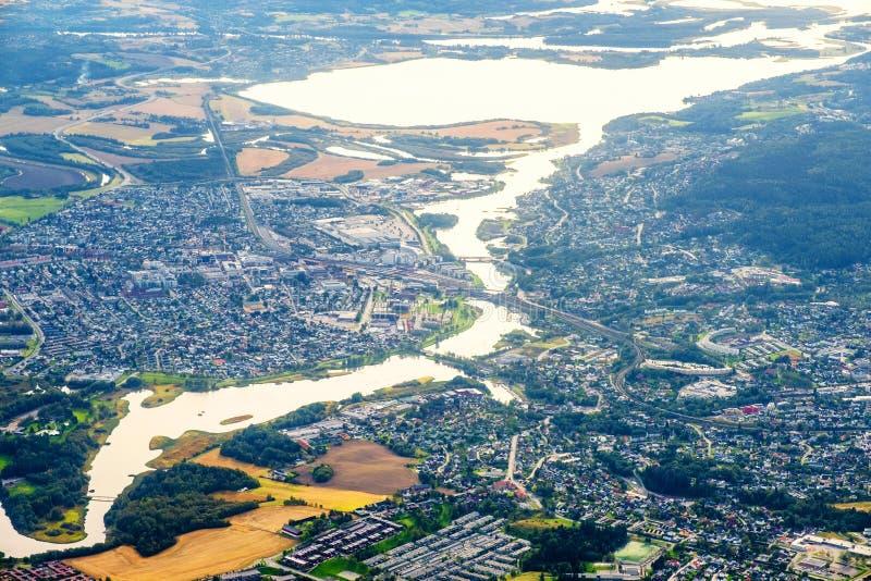飞越挪威利勒斯特伦市 航视 库存图片
