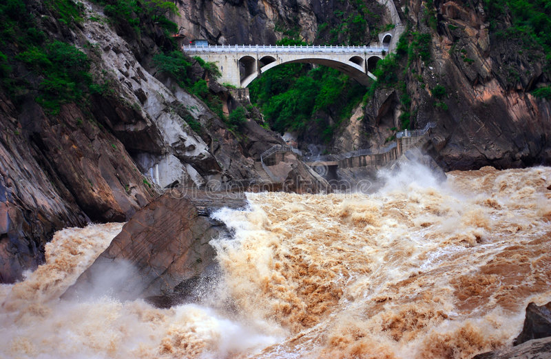 飞跃石老虎的峡谷 图库摄影
