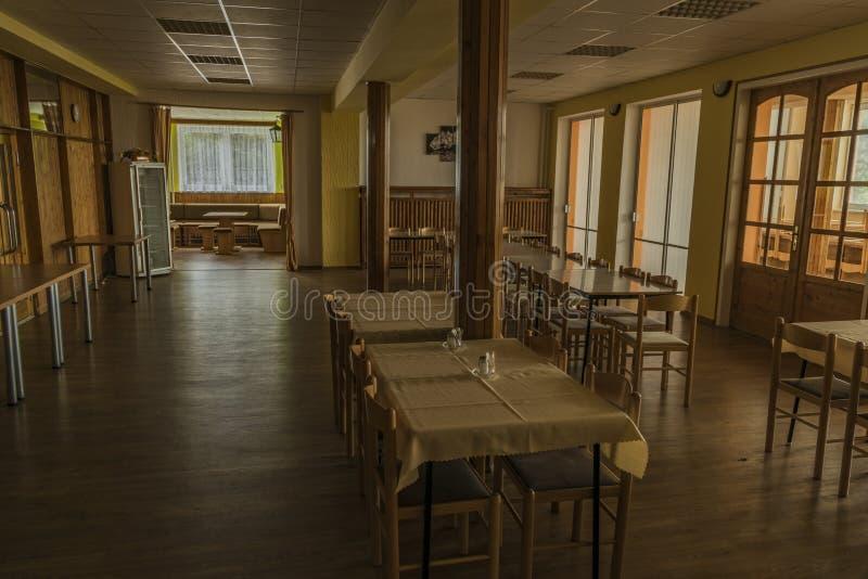 食堂在共产主义老旅馆里在Stary Hrozenkov村庄 免版税库存照片