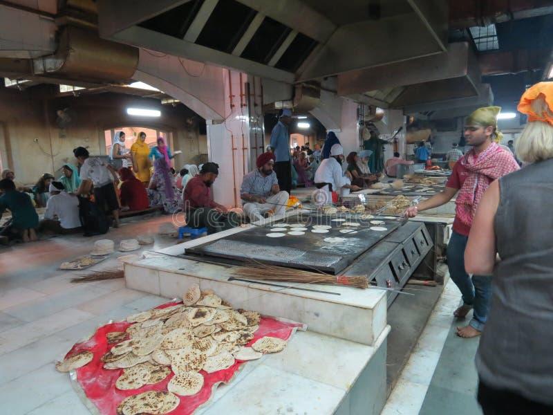 食物例证厨房准备向量妇女 免版税库存图片